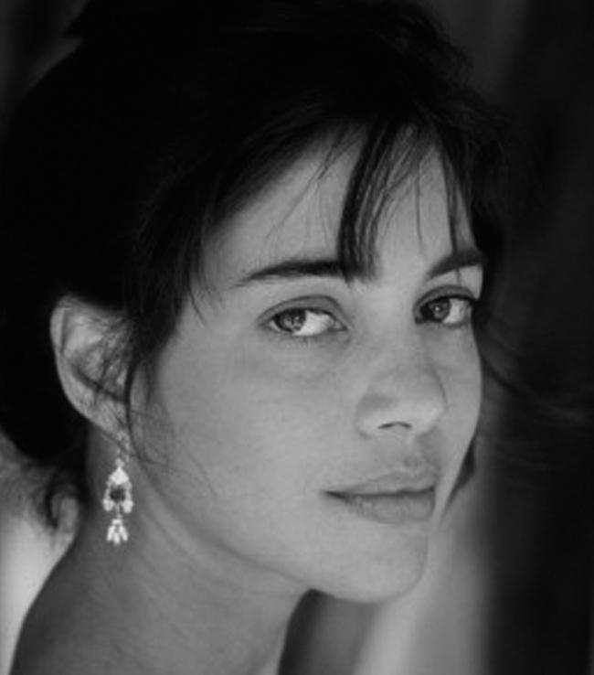 Julie Carmen